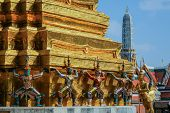 picture of guardian  - Guardian statue at Temple of the Emerald Buddha - JPG