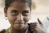 schöne Augen eines indischen Mädchens