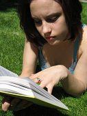 Lesung im Gras.