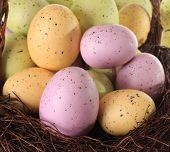 Постер, плакат: Пасхальные яйца Крупным планом мелкой dof на фронт розовый яйцо