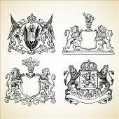 Satz von Vektor mittelalterlichen Wappen.