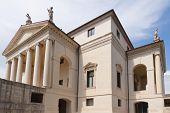 The Villa Rotonda By Andrea Palladio