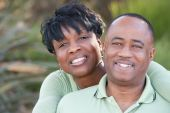 attraktive happy african american couple