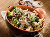 broccoli anchovy and onion, healthy food