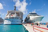 Puerto de cruceros en St. Maarten
