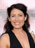 LOS ANGELES - APR 10:  Lisa Edelstein arrives to the 'Transcendence' Los Angeles Premiere  on April
