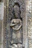 khmer dancing girls in Angkor Wat.