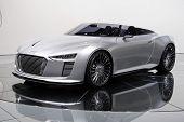 ein Volkswagen ag Audi e-Tron-Spyder auf Paris motor Show