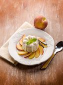 vanilla pudding with peach