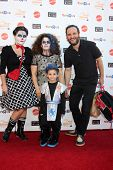 LOS ANGELES - OCT 27:  Emily WInokur, Marissa Jaret Winokur, Zev Miller, Judah Miller arrives at