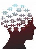Piezas de rompecabezas como cabeza de un hombre de mente