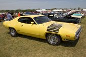 Yellow Plymouth Road Runner 440-8 Side View