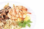 Shrimp salad with mushrooms and balsamic vinegar.
