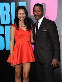 LOS ANGELES - NOV 20:  Jamie Foxx & Corinne Bishop arrives to the