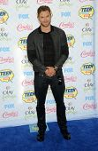 LOS ANGELES - AUG 10:  Kellan Lutz arrives to the Teen Choice Awards 2014  on August 10, 2014 in Los Angeles, CA.
