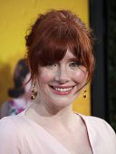 LOS ANGELES - AUG 09:  BRYCE DALLAS HOWARD arrives to the