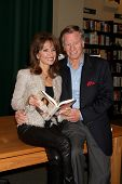 LOS ANGELES - APR 12:  Susan Lucci, Husband Helmut Huber at the Booksigning for Susan Lucci's book