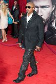 HOLLYWOOD, CA. - MAY 2:  Rapper M.C. Hammer arrives at the Los Angeles premiere of Thor at the El Ca