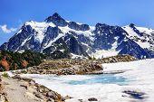 Hiking Mount Shuksan Blue Snow Pool Artist Point Washington Usa