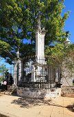Column Governor de Kasigal near the templel Templete.
