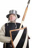 Постер, плакат: Средневековый воин с копьем и щитом