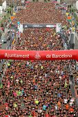 BARCELONA - SEPT, 16: Runners on start of La Cursa de la Merce, a popular race in Montjuich Mountain