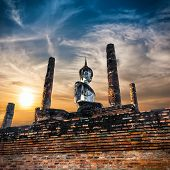 Ancient Architecture Of Buddhist Temples In Sukhothai Historical Park. Statue Of  Buddha At Wat Maha