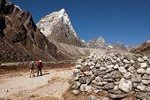 picture of sherpa  - Lobuche Khola valley with Arakamtse  - JPG