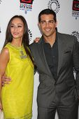 LOS ANGELES - APR 12:  Cara Santana, Jesse Metcalfe arrives at Warner Brothers