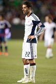 CARSON, CA. - 30 de abril: New England Revolution M Benny Feilhaber #22 durante el partido de la MLS el 30 de abril
