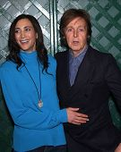 LOS ANGELES - APR 13:  PAUL McCARTNEY & NANCY arriving to