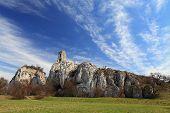 Ruina del castillo en Waisenstein; Palava-moravia, República Checa