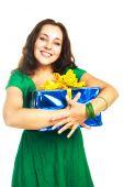Постер, плакат: Красивая женщина с большой подарок