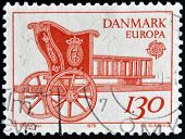 DENMARK - CIRCA 1979: A stamp printed in Denmark shows royal carriage circa 1979