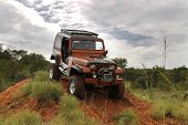 Crush Beige Jeep Wrangler Off-roader V8