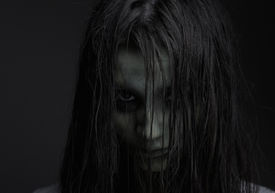 picture of gothic girl  - Close up portrait of a zombie girl with horror expression - JPG