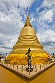 Stupa of the Golden Mountain Temple in thailand