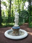 picture of garden sculpture  - St - JPG