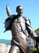 Постер, плакат: Статуя Фредди