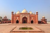 Taj Mahal Mosque
