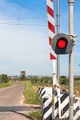 picture of traffic light  - red traffic light crossing level - JPG