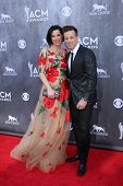 LAS VEGAS - APR 6:  Shawna Thompson, Kiefer Thompson at the 2014 Academy of Country Music Awards - Arrivals at MGM Grand Garden Arena on April 6, 2014 in Las Vegas, NV