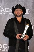 LAS VEGAS - APR 6:  Jason Aldean at the 2014 Academy of Country Music Awards - Arrivals at MGM Grand