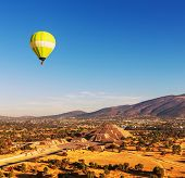 Balloon above Pyramid of the Sun. Teotihuacan. Mexico.