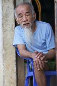 vietnamesische senior man