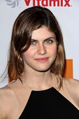 LOS ANGELES - MAR 26:  Alexandra Daddario arrives at the Launch of Kimberly Snyder's
