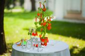 picture of wedding table decor  - wedding settings for outdoors celebration - JPG