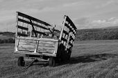 Broken Wagon34Bw