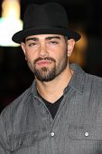 HOLLYWOOD - JAN 11: Jesse Metcalfe from Desperate Housewives attends The Book of Eli premiere on Jan