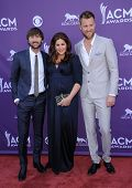 LAS VEGAS - APR 07:  Lady Antebellum arrives to the Academy of Country Music Awards 2013  on April 0